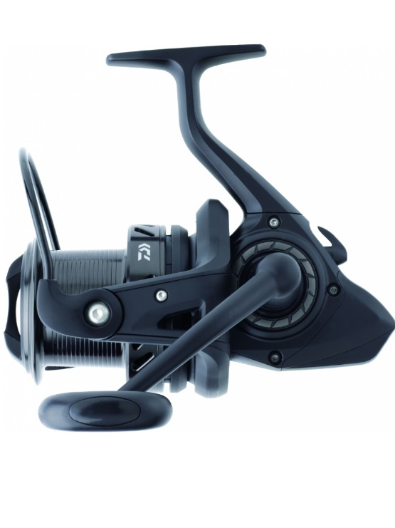 CARRETE DAIWA BLACK WIDOW 25A
